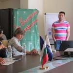 """Иван Бедров, представя пред аудиторията """"Защо не ме харесват - Новата комуникационна среда и ориентацията в нея"""""""